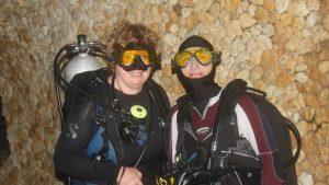 Duikers klaar voor fluoro duiken